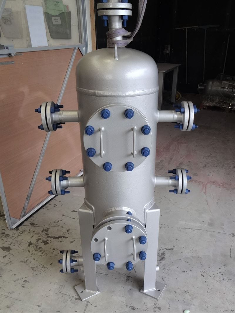 Air-Receiver-Carbon-Steel-U-Stamped-PED-High-Specification_(3)