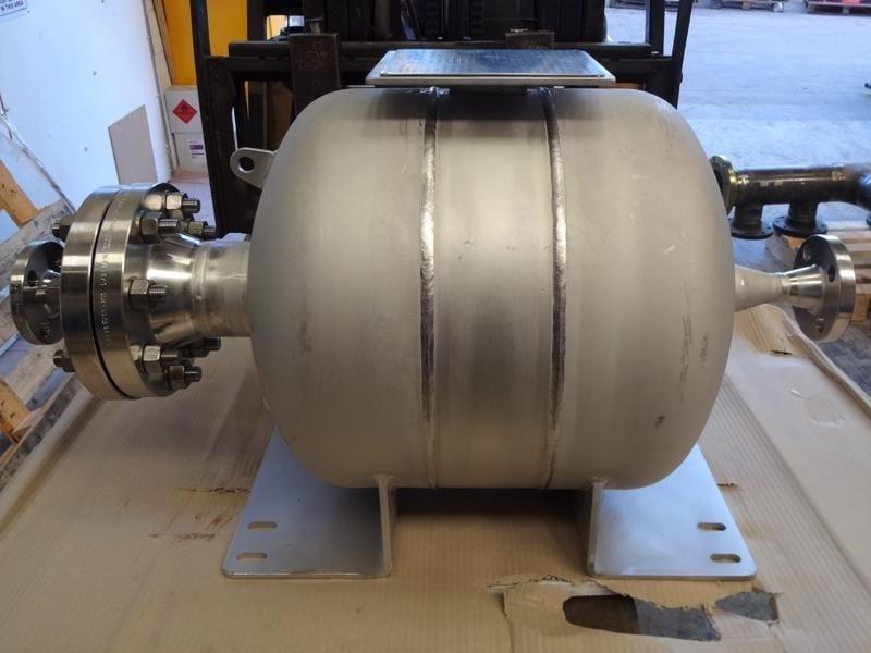 Bladder-vessel-pressure-stainless-steel-norsok