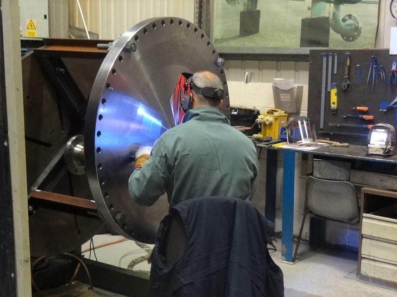Dissimilar-welding-pressure-vessel-part-cpe-Duplex-to-Carbon-steel-uk (4)