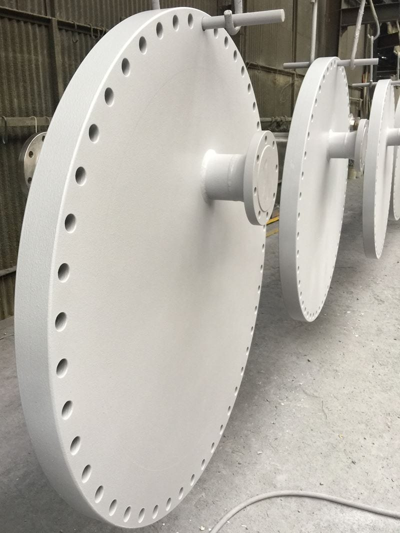 Duplex-to-carbon-dissimilar-weld-blind-flange-painted-pressure-part-cpe-uk (3)