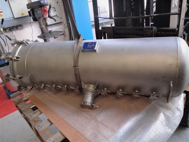 Filling-Bespoke-Pressure-vessel-quick-access-lid-swingbolts-stainless-steel-316--T (2)