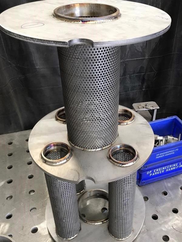Internals-pressure-vessel-mesh-cpe-stainless-steel-bespoke