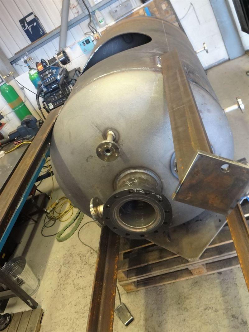 Pressure-Vessel-EN13445-DWI-Carbon-Steel-Surge-Tank-water-CPE-UK (3)