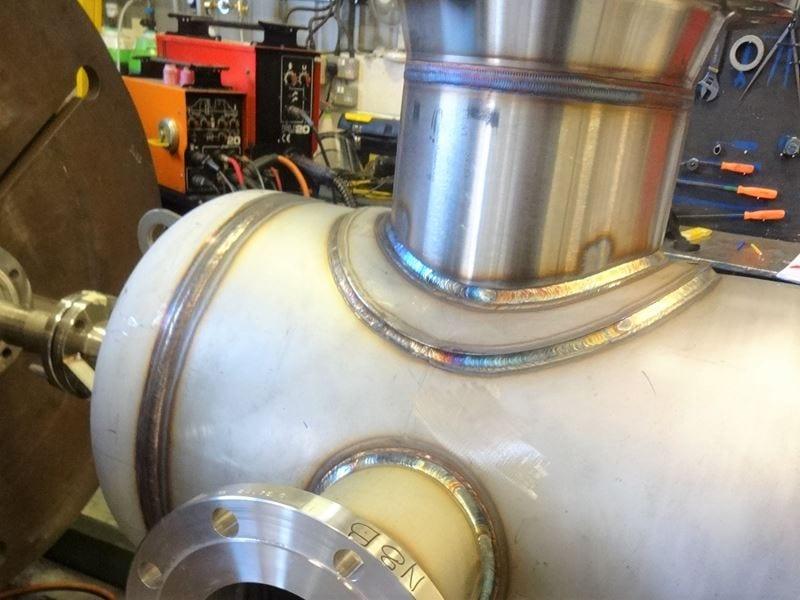 Stainless-Steel-Separator-Vessel-316-345-Litre-Painted-RF-WN-Bespoke-Pressure-Vessel (4)