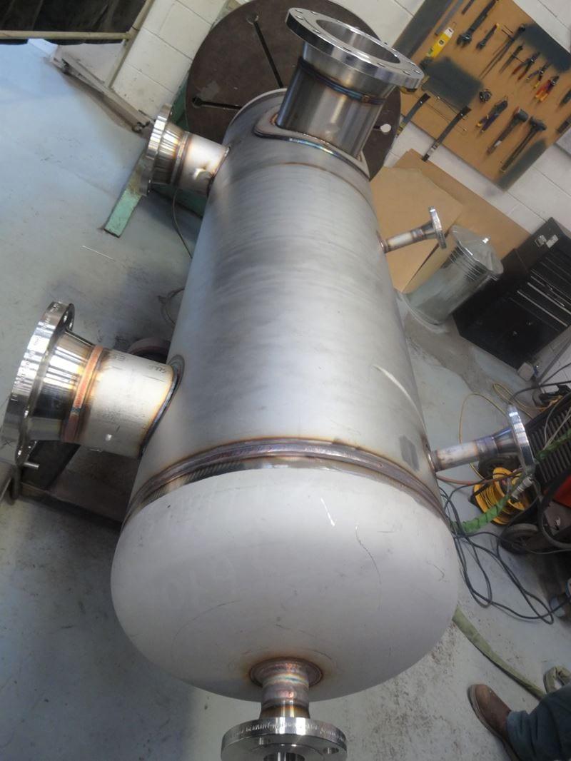 Stainless-Steel-Separator-Vessel-316-345-Litre-Painted-RF-WN-Bespoke-Pressure-Vessel (7)