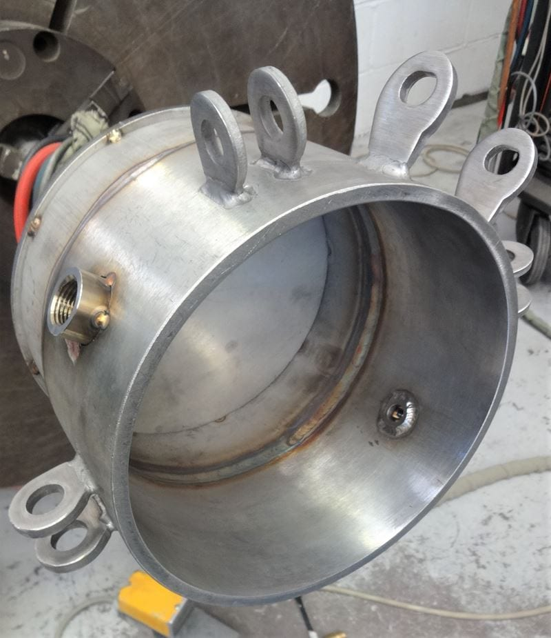 Test-pressure-vessel-internal-basket-QOC-lid-CPE-UK-Bespoke-ASME (2)