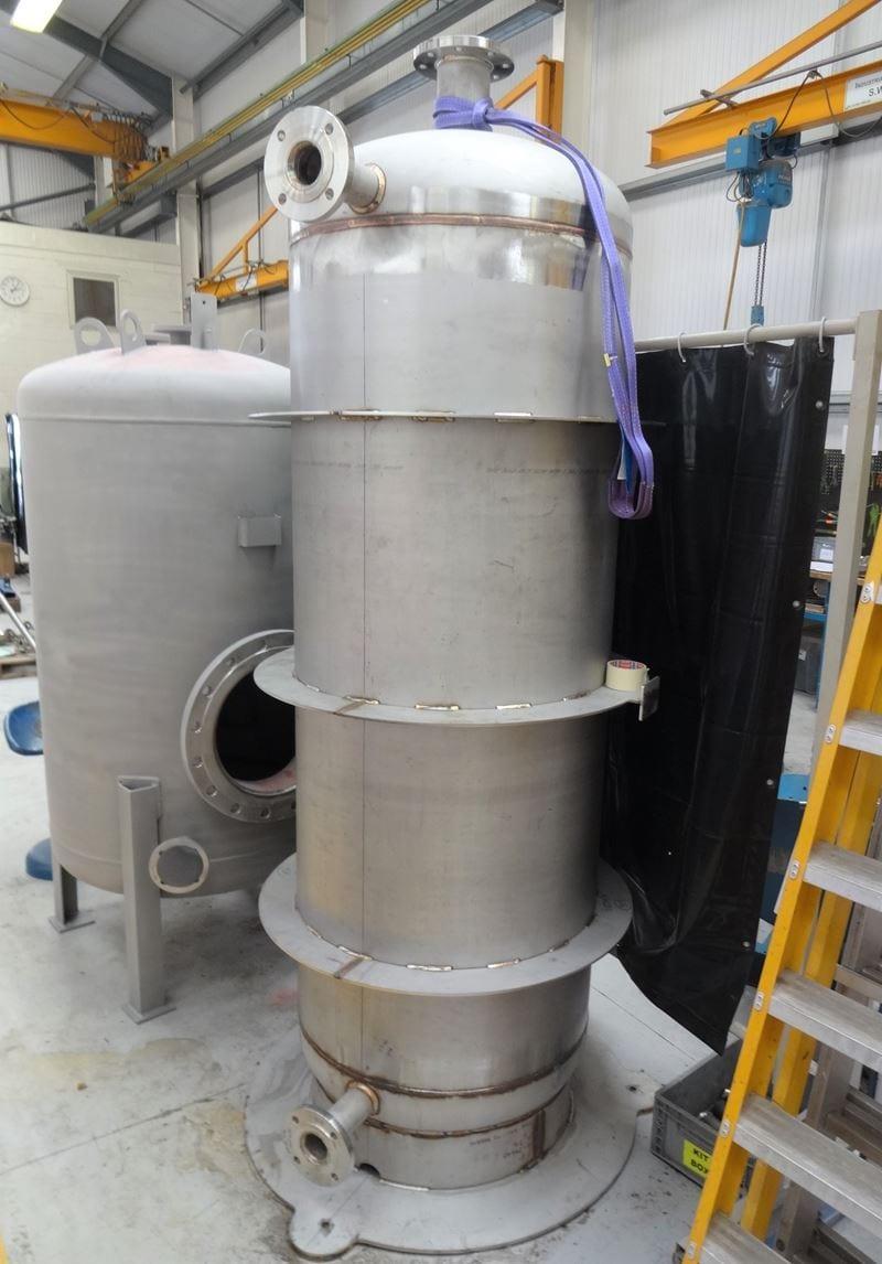 Water-pressure-vessel-Stainless-Steel-316-CPE-Skirt-15-Bar-985-1000-Litre_(5)