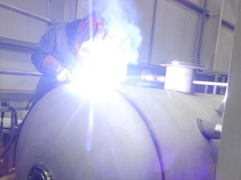 bespoke-welding-pressure-vessel-surge-tank