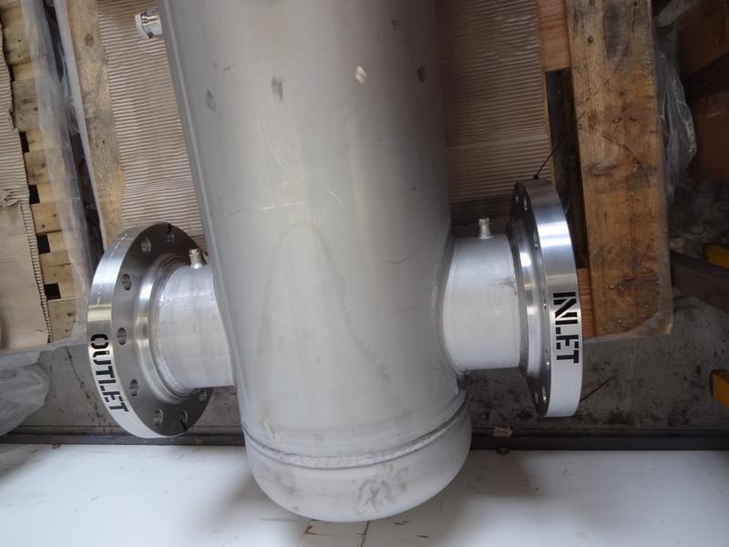 inlet-outlet-flange-pressure-vessel