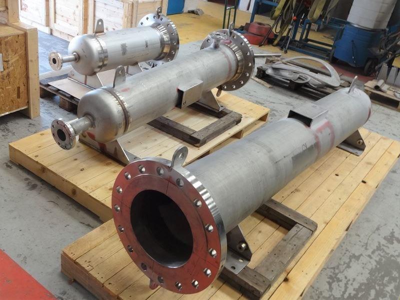 pressure-vessel-heater-Housing-14-Inch-304L-Bespoke-high-pressure-CPE-UK_(3)