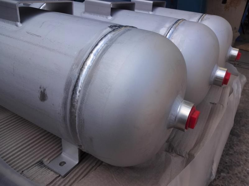 stainless-air-receiver-bespoke-cpe-pressure-vessels